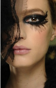 EX EYES WITH TULLE